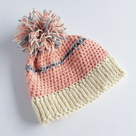 Pompom crochet hat