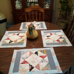 Charming Stars Quilted Placemats and Table Runner