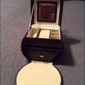 Harrods Leather Jewelry Case