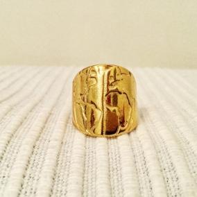Wanderlust ring (golden tone)
