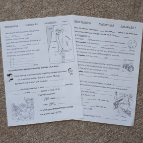 Weekly Bible Reading Worksheets for Children in Spanish & English