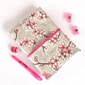 NWT Oilcloth Pocket Bible Cover – Beautiful Cherry Blossom Pattern – FREE SHIPPING ON ALL ITEMS!