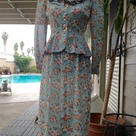 Vintage Leslie Fay floral spring/summer skirt suit