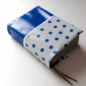 NWT Oilcloth Pocket Bible Cover – Pretty Royal Blue With Matching Polka Dot Pocket – FREE SHIPPING ON ALL ITEMS!