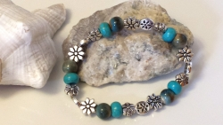 Lovely Beaded Turquoise and Silver Flower Stretch Bracelet
