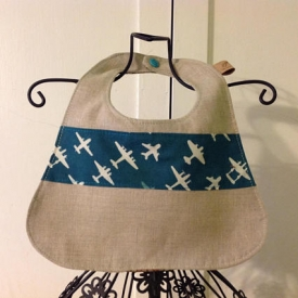 Reversible soak proof linen jets bib