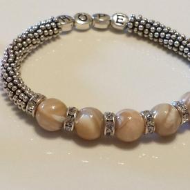 Mother of Pearl Stretch bracelet